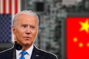 بايدن يواصل حملة ترامب لقمع التكنولوجيا الصينية!