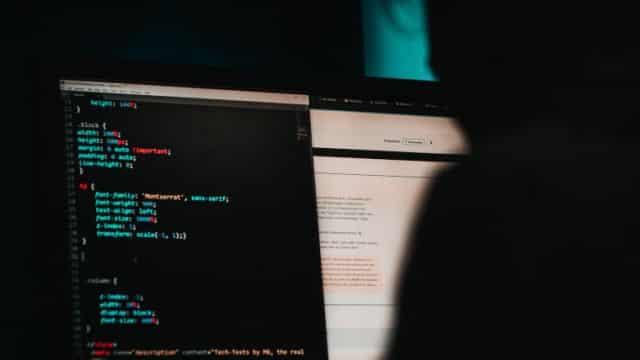 مايكروسوفت تقوم بشن هجمات ألكترونية على شركات بيع برامج القرصنة...