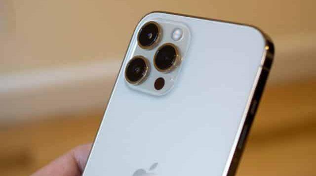 ابل تستعد لأطلاق جهاز ايفون بسعر أقل من 1000 دولار!
