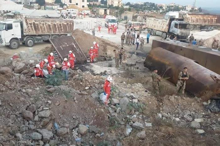 فيديو مؤثر لأب قتلو أطفاله بسبب البنزين في لبنان...