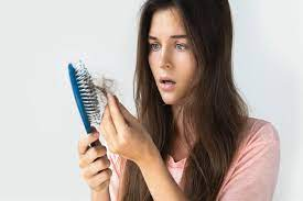 ما هي أهم ألأسباب حول تساقط شعر ألمرأة...